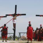 المسيحيون في مختلف ارجاء العالم يحيون جمعة الآلام